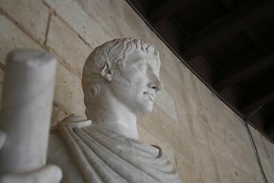 Castell Bellver Statue2