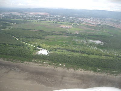 Looking at the local scenery as we come in for a landing