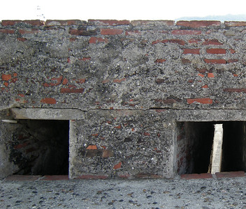 It was evident that the men of that time were much shorter than those of today.  The tunnels that connected the parts of the fort were rather short.