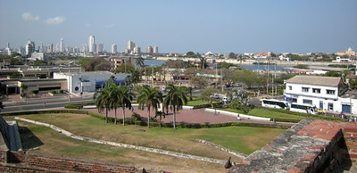 The area around the fort was a very nice park.