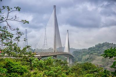 Centennial bridge that crosses the canal, built in 2004