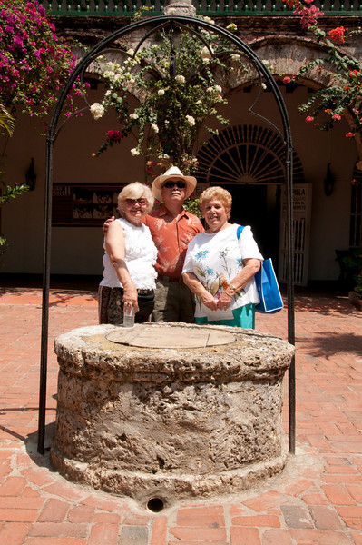 • Cartagena, Colombia<br /> • Gertrude Engels, Waiter Engels and Sandy Dubin in the courtyard of the Convento de la Popa