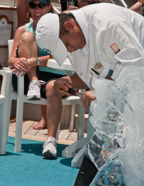 • Coral Princess <br /> • Ice Carving Demonstration with Joemel