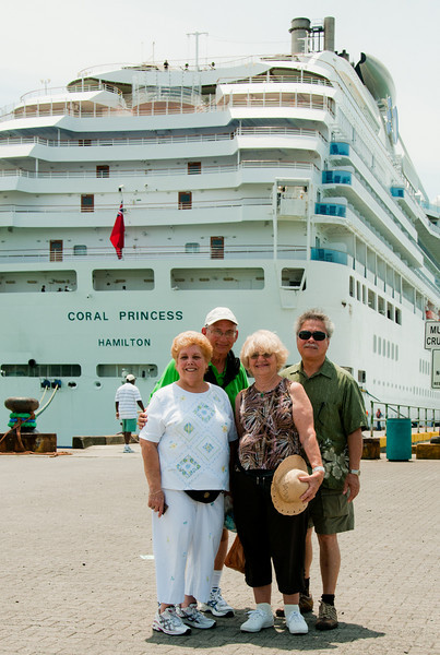 The Dubins and Engels at Costa Rica dock.