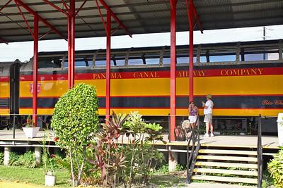 Panama Canal Railway Runs  Length of  Canal