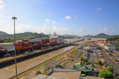 Container Ship Lowered to Enter 2nd Lock