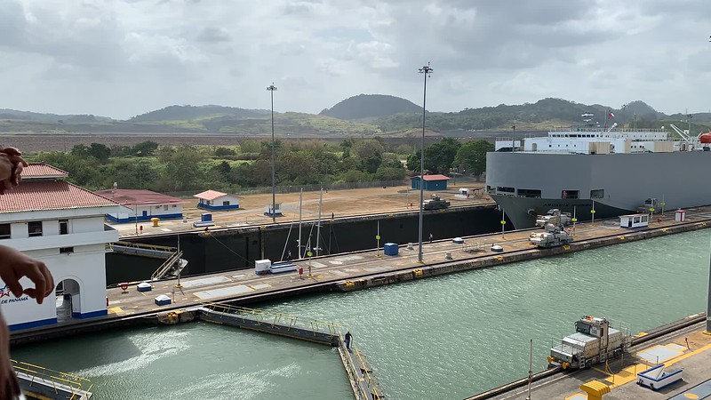 Panama Canal locks - video Part II