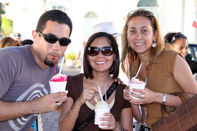 Javier, Vanessa and Monica enjoying shaved ice.  Old quarters Panama City.