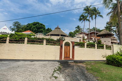 Home overlooking the beach on Contadora