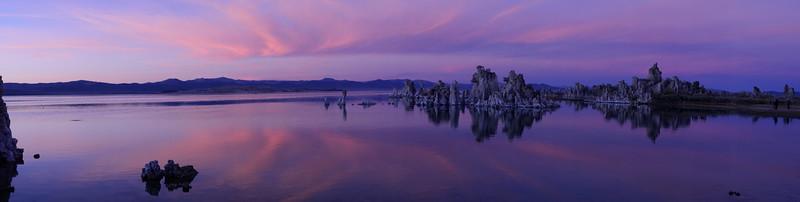Tufa at Mono Lake at sunrise