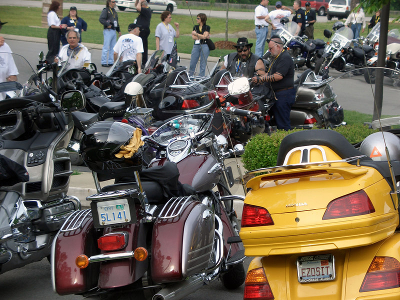 Can you find the two bikers laying teffilin?