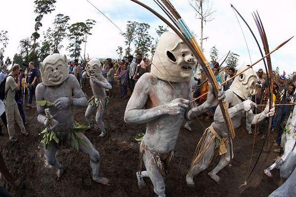 Asaro mud men