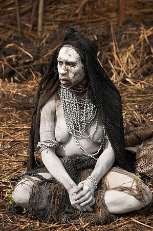 Mourning woman from South Chimbu