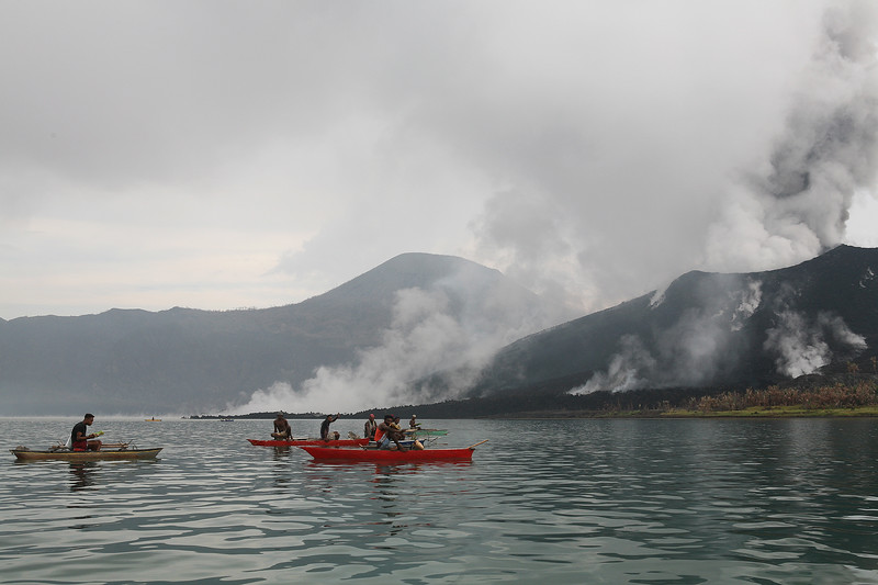 Egg collectors paddling out to Mt Tuvuvur