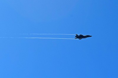 Fly-By of F-35 Joint Strike Fighter