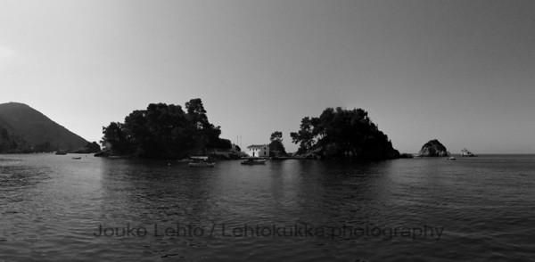 Parga 037b: Venetian castle; Panagias Island - panorama