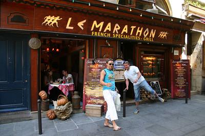 Jüri ja Immi kohviku ees