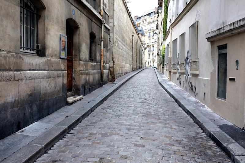 Street near Etienne du Mont