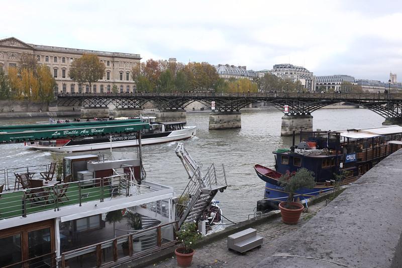 A Sunday on the Seine.