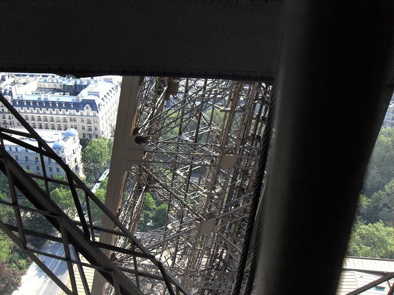 View through the Eiffel girders