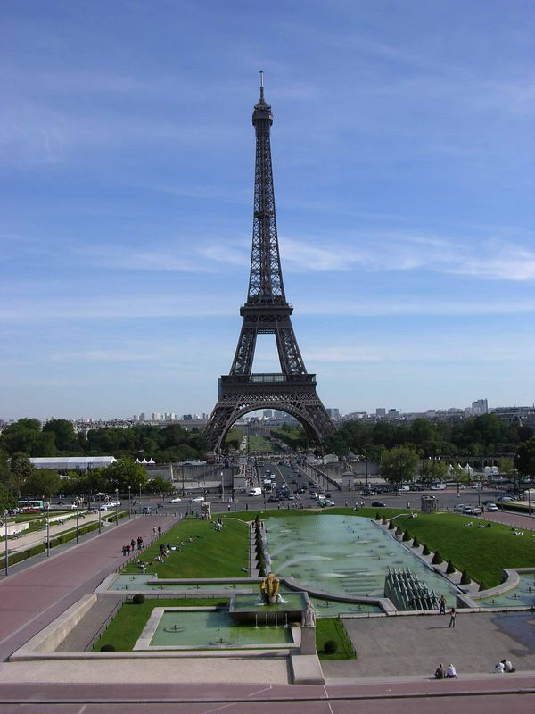 View of Tour Eiffel from place du Trocadéro