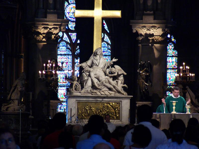 Alter during Mass- Notre Dame