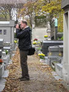 Larry, cemetery