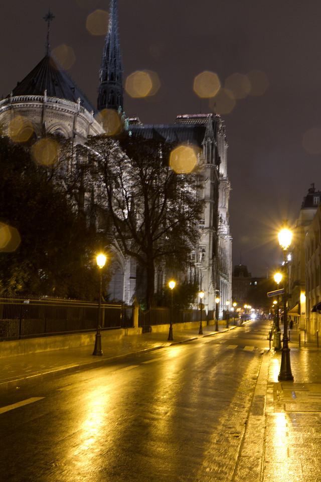 A rainy night near Notre Dame
