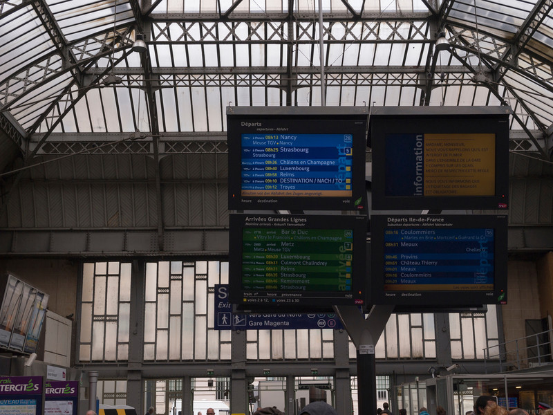 Waiting for the 8:58am to Reims
