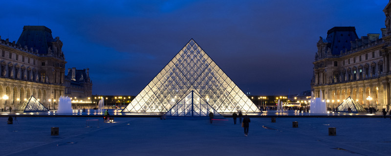 Louvre, just after sunset. The pyramids by IM Pei look spectacular in the evening light. More shots below