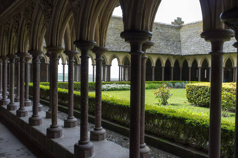 The cloisters, a spot of light and color in an otherwise dark building. The Abbey was built mainly from the 900's until the 1400's, and is a jumble of the different pieces.