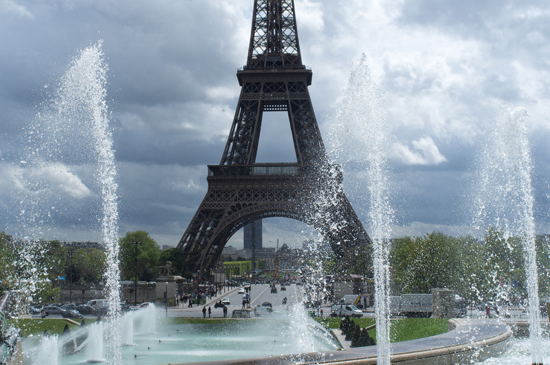 From across the Seine river, the Trocadero fountains seem to pay homage to the Eiffel tower. The fountains are timed, varying their pattern during the course of an hour.