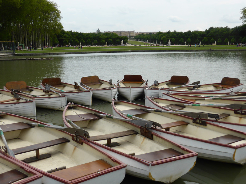 Versailles - the boat rental area, looking back towards the Chateau.