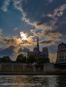2018_Paris_Notre Dame at sunset