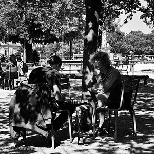 2018_Paris_Chess game, Luxembourg Gardens