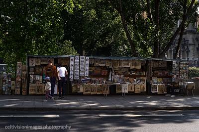2018_Paris_Bookseller on the Seine