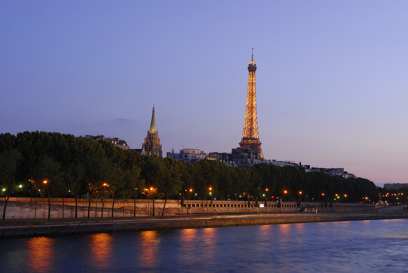 Dusk along the Seine, Paris