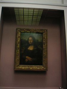 Our lady Mona Lisa.  This is the real thing.  She is encased in glass to protect her from smoke, camera flashes and theives I guess.  First time I saw her, she was out in the open and the guards were trying to keep the Japanese throngs from snapping flash pix, to no avail.