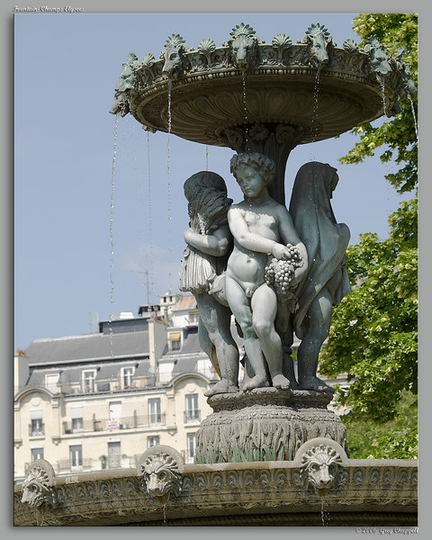 Fountain- Champs Elysees