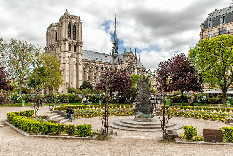 Parisian Park and Notre Dame de Paris