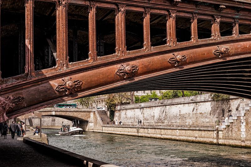 Bridge Architecture and the Seine