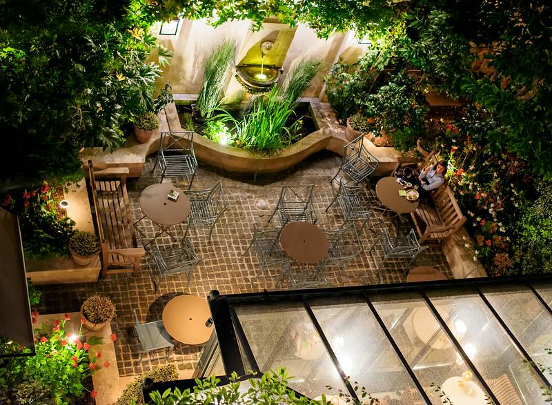 Hotel de l'Abbaye - lovely outdoor courtyard
