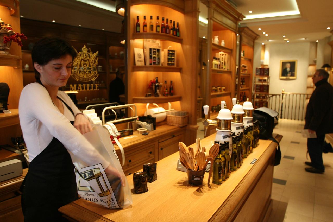 148 Shops of Paris 2 Maille