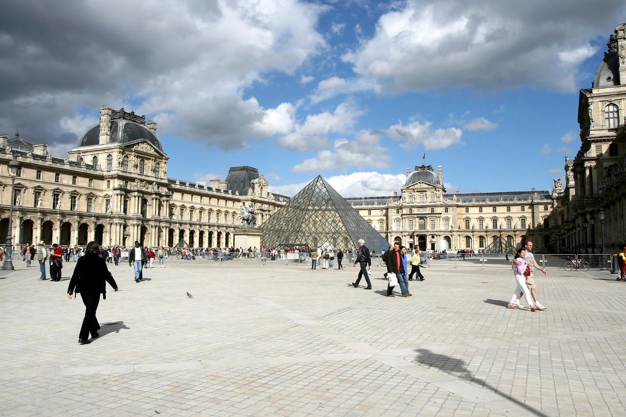 010 Louvre 1