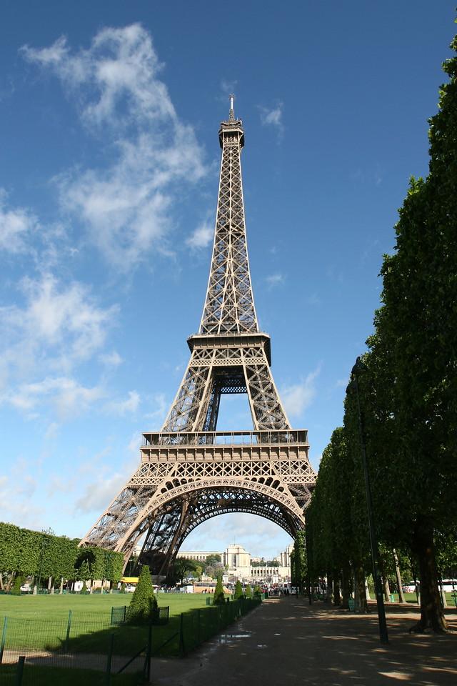 002 Eiffel Tower 2