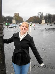 Singin' in the rain at Place de la Concorde.