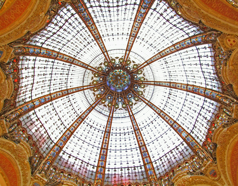 Stained glass dome that encloses the Galeries Lafayette.