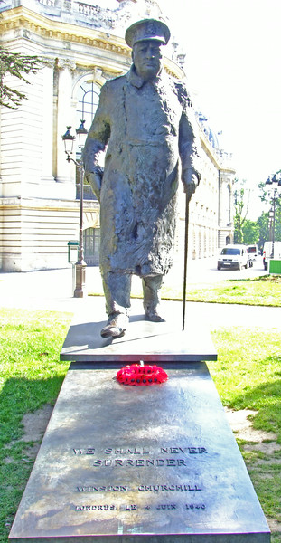 French tribute to Sir Winston Churchill who helped save France during WWII.