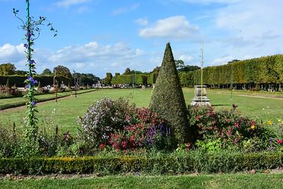 Royal Palace & Gardens - 1122 - 1360