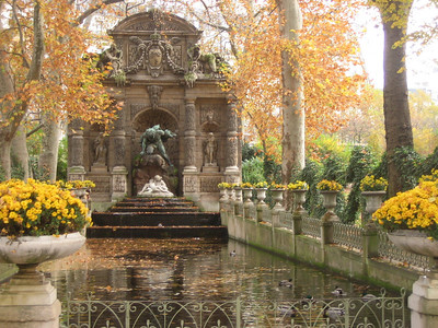 A fountain in the Garden of Luxembourg Palace.